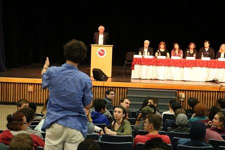 Sanders Holds Job Training Discussion With More Than 300 Vermont High School Students